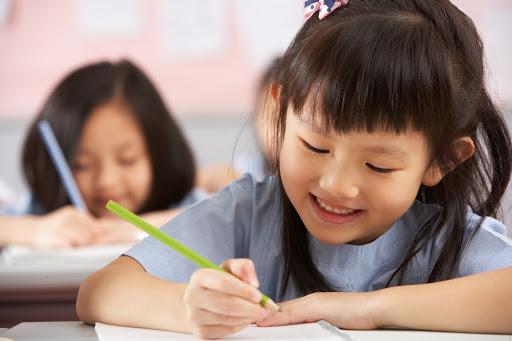 Những lưu ý khi chọn vở tập viết và dạy cách viết chữ 5 ô ly cho trẻ lớp 1